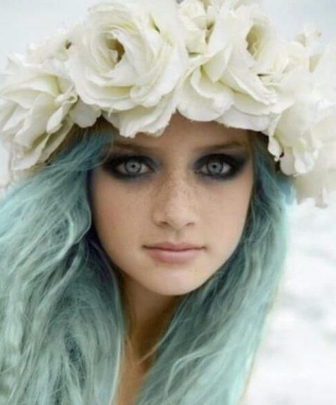 color de pelo teal de sirena pequeña eterial