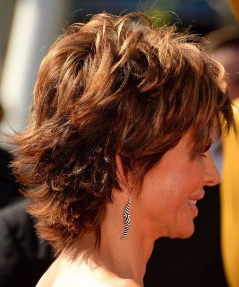 lisa rinna peinados cortos para cabello grueso