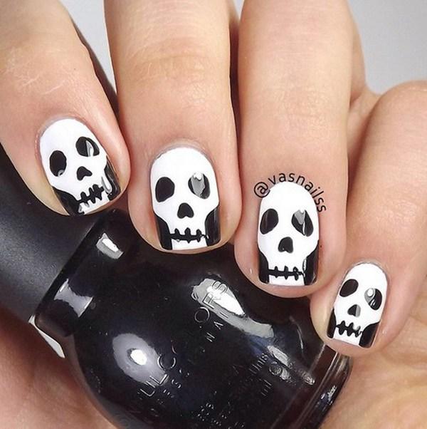 Scary Skeleton Faces Nail Art para Halloween. Ideas de arte de uñas de Halloween.