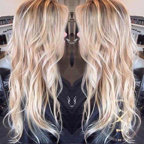 Peinado largo ondulado