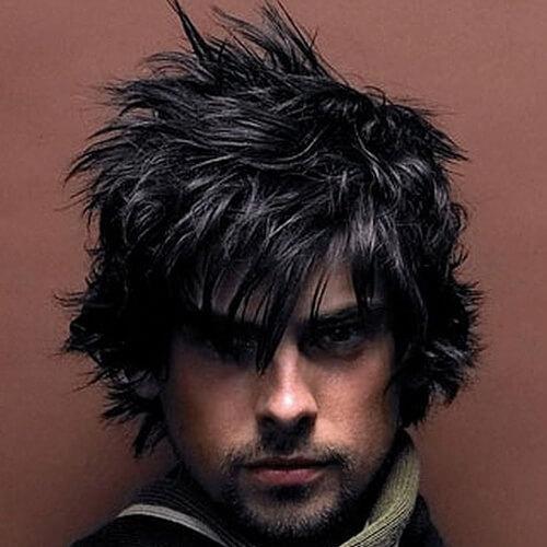 Peinados lanudos de punta para hombres