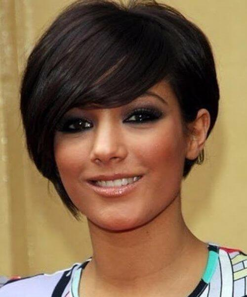 Peinados cortos asimétricos para caras redondas