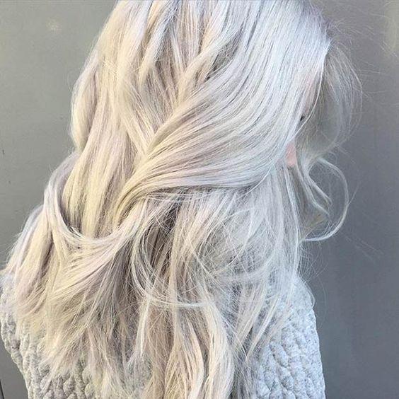 pelo gris blanco