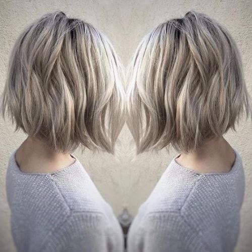 corte de pelo rubio helado de la sacudida