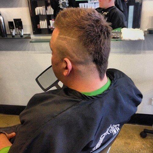 Corte de pelo en forma de rata en forma de V