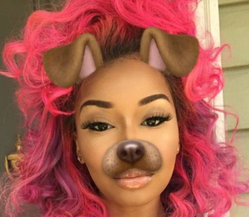 peinados bob color rosa neón para mujeres negras