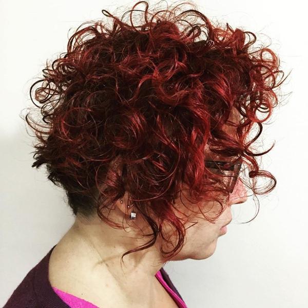 70280816-corto-rizado-hairstylesshortcurlyhairstyleformaturewomen