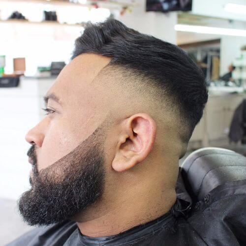 peinado de patrón para hombres con cabello fino