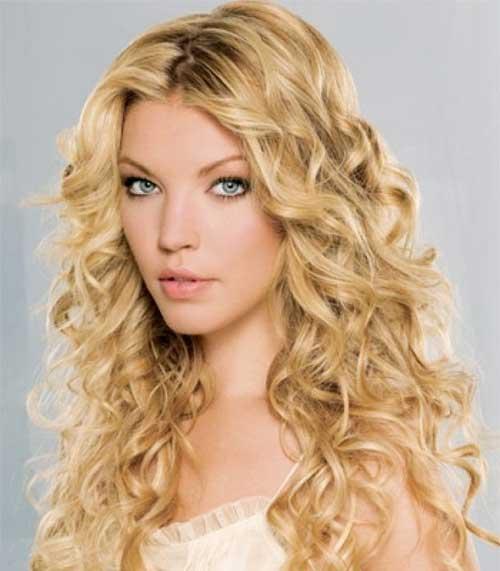Peinados rizados largos para caras redondas-21