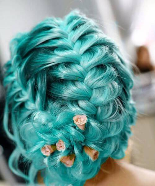 color de pelo verde azulado de la boda