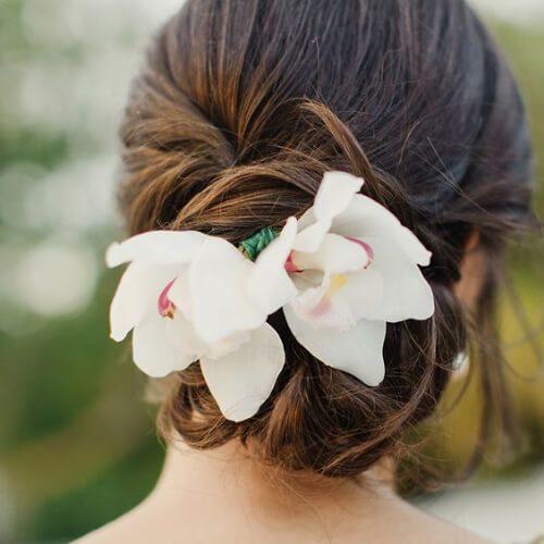peinados frescos y florales para niñas