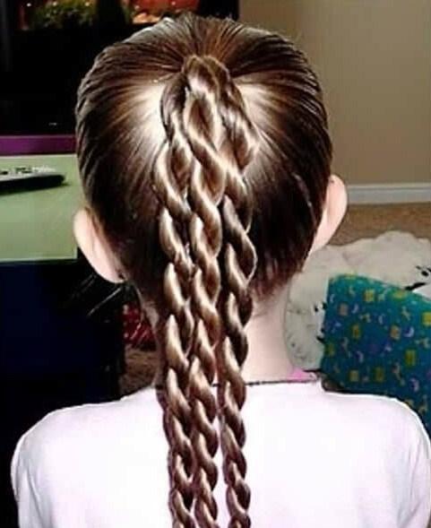 tres trenzas simples peinados de niña