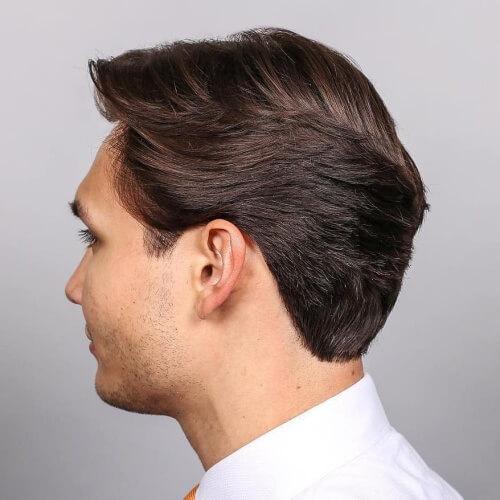 Peinados casuales de negocios emplumados