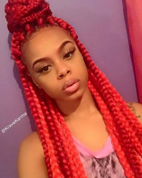37110216-red-box-trenzas