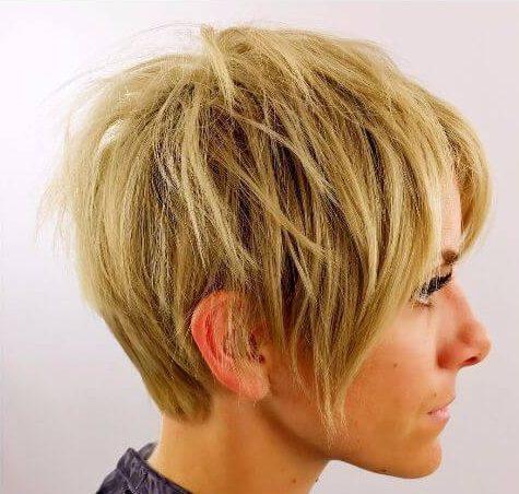 peinados cortos en capas para el pelo fino rubio corte pixie
