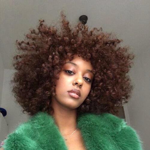 peinados naturales para rizos