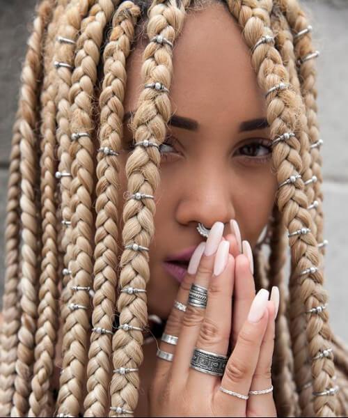 trenzas de caja rubia enorme peinados de niña negra
