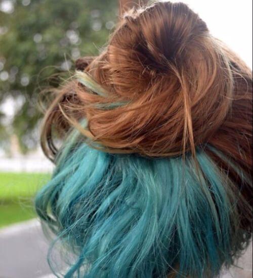 Azul bajo la capa de pelo azul ombre pelo
