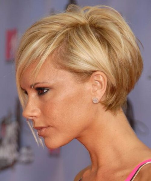 peinados cortos Victoria Beckham para cabello grueso