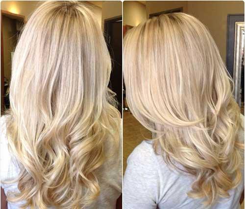 Peinados de capas rubias con rizos