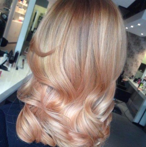 color de cabello ligero y crema balayage