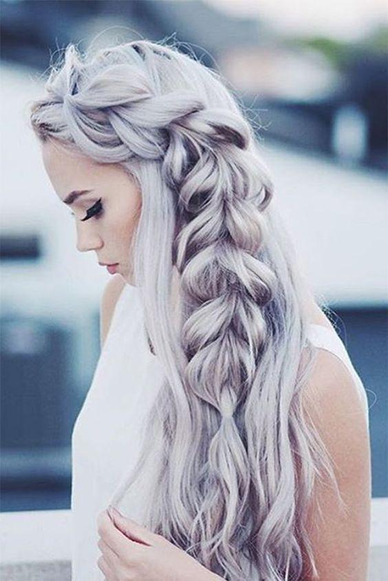 cabello gris ceniza