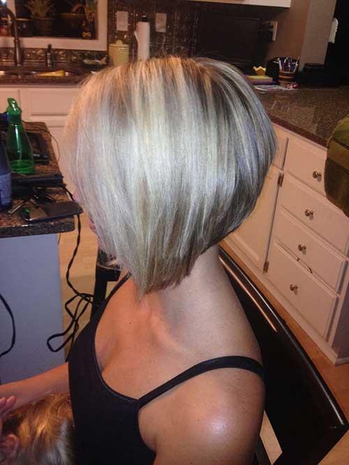 Corte de pelo apilado de Bob para las mujeres