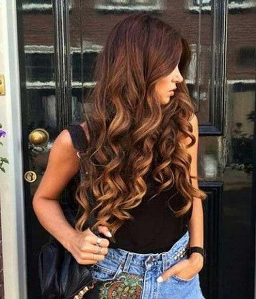 Peinados lindos para el pelo largo y rizado