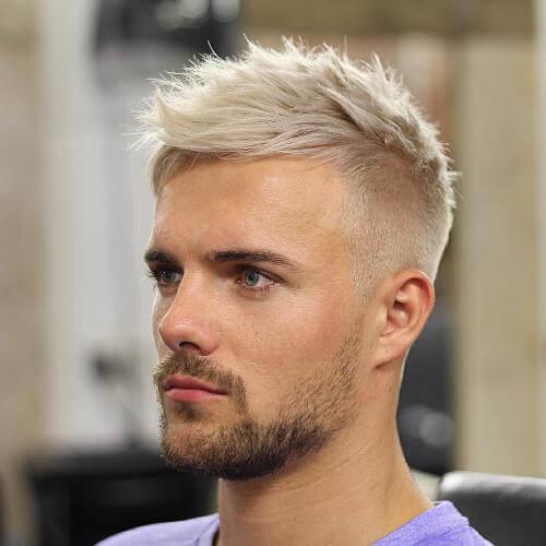 Peinados puntiagudos para hombres con socavados