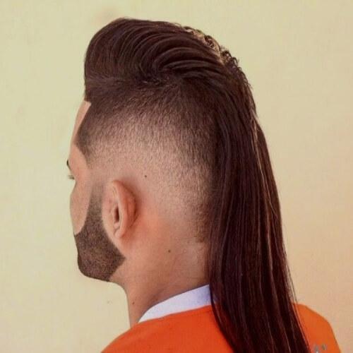 Corte de pelo largo salmonete con Falso Hawk