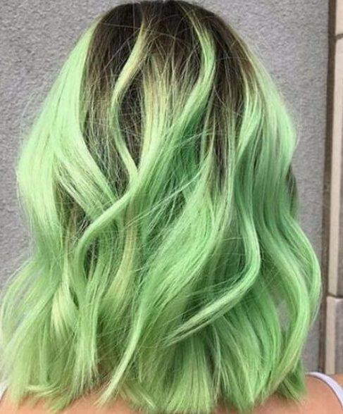 pelo corto balayage verde lima