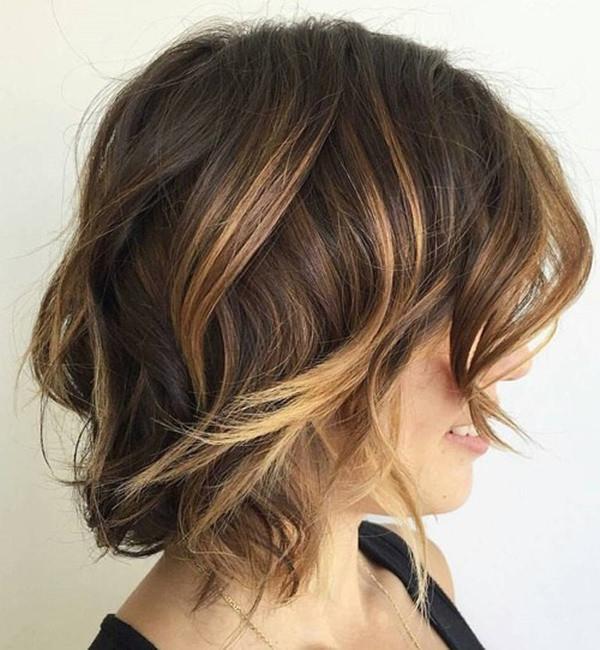 41280816-short-rizado-hairstylesbrownmessybalayagebob
