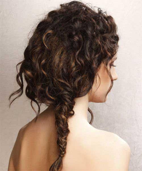Buen peinado natural para el cabello rizado