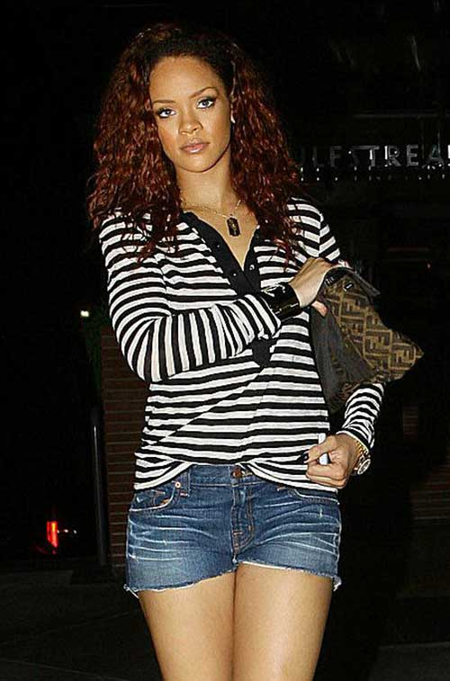 Rihanna Long Curly Hair-15