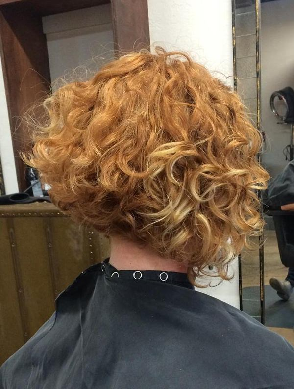 48280816-corto-rizado-hairstylesangledbobforcurlyhair