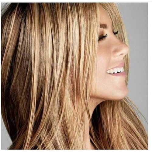 Jennifer Aniston cabello rubio sucio