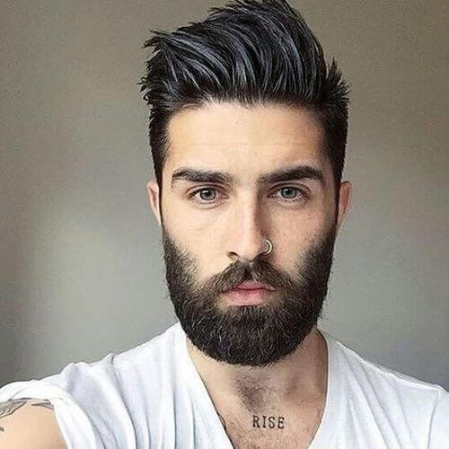 Peinados modernos con pinchos para hombres
