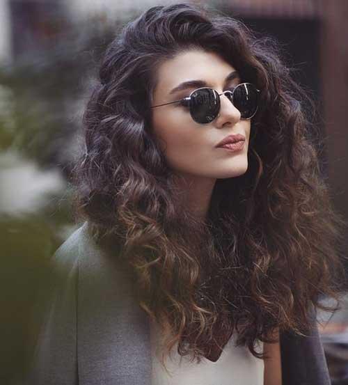 Peinados rizados totalmente elegantes y hermosos A Largo