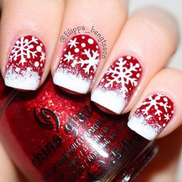 Rojo y blanco Snowflake Nail Art para Navidad.