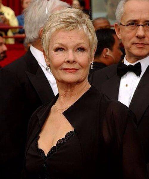 Peinados Judi Dench para mujeres mayores de 60 años