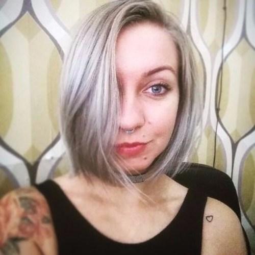 corte de pelo rubio ceniza bob para las mujeres