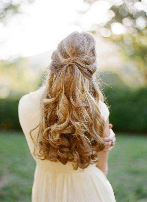 Mejores peinados hacia abajo con rizos para el baile de graduación