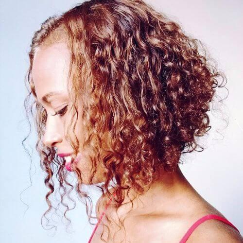 capas rizadas para el pelo corto
