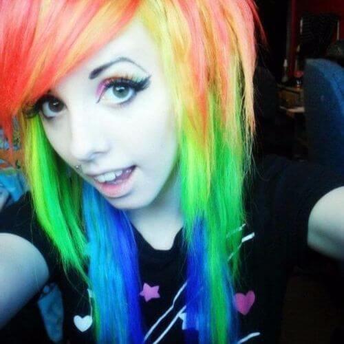 emo pelo de arco iris