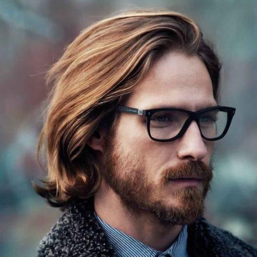 peinados de longitud media resaltados ocasionales para hombres