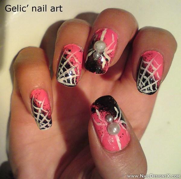 Pink Halloween Nail Design.  Ideas de arte de uñas de Halloween.