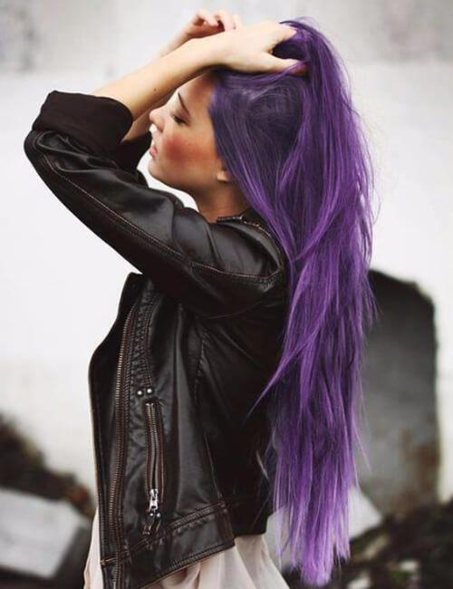 cabello largo morado en capas