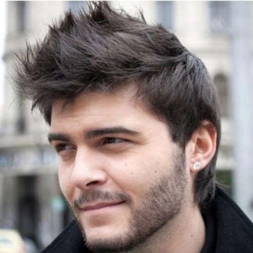 Faux Hawk Hairstyles para hombres con pelo recto y grueso