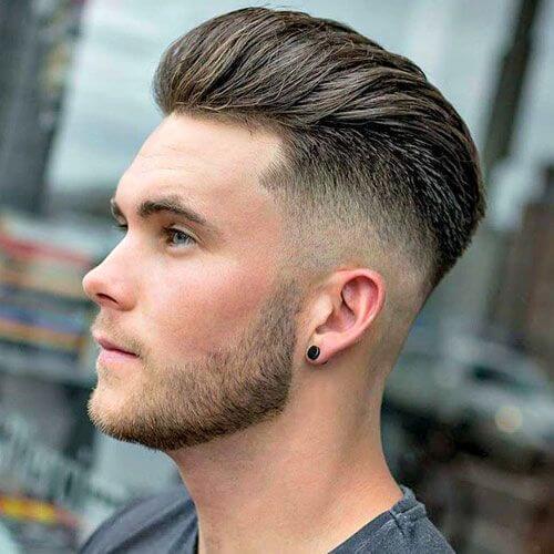 Tallado con Quiff Hairstyle