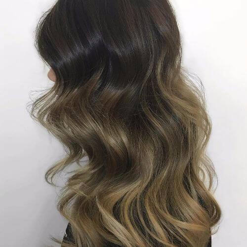 ondas sueltas en color de pelo negro